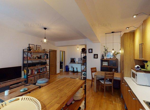 Apartament 3 camere in Cartierul Francez - Tur virtual - imaginea 1