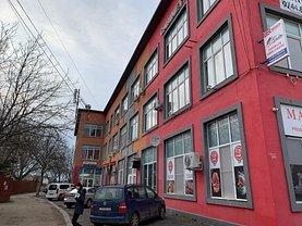 Vânzare clădire de birouri
