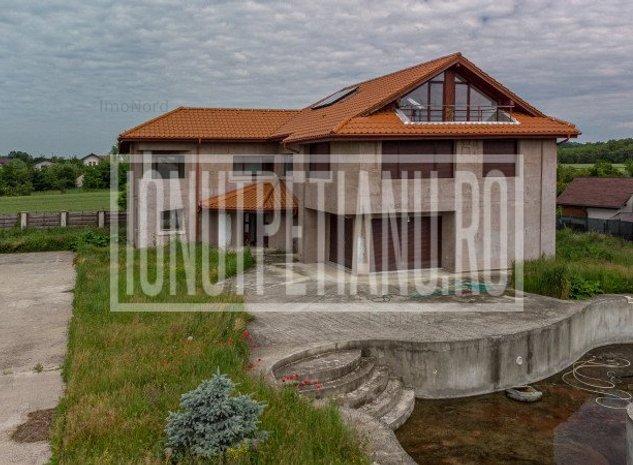 Vila cu piscina si 3700mp teren Izvorani - imaginea 1