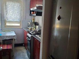 Apartament de vânzare 2 camere, în Arad, zona Romanilor