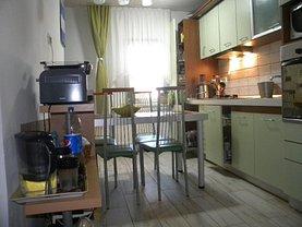 Apartament de vânzare 3 camere, în Arad, zona Mioriţa