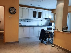 Apartament de vânzare 3 camere, în Arad, zona Malul Muresului