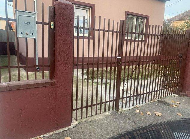 Casa cu 5 camere in zona Crisan negociabila - imaginea 1
