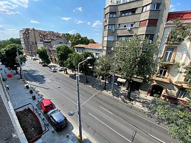 Apartament de vânzare 4 camere, în Bucureşti, zona Kogălniceanu
