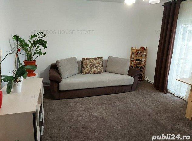 De vanzare apartament 3 camere - imaginea 1