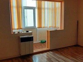 Apartament de vânzare 3 camere, în Buzău, zona Micro 5