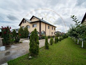 Casa de vânzare 8 camere, în Piteşti, zona Prelungirea Craiovei