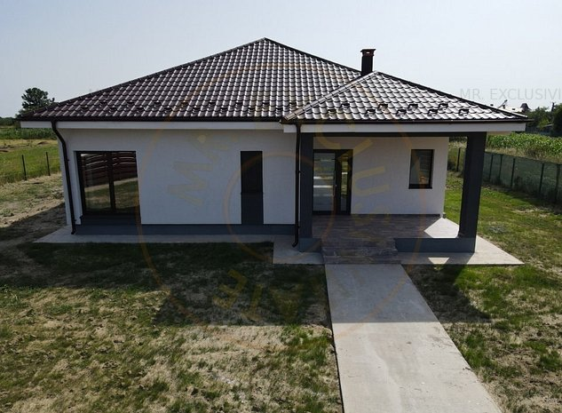 Casa 2021 cu 3 camere Suseni-Arges - zona centrala! - imaginea 1