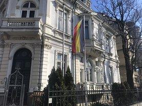 Casa de închiriat 15 camere, în Bucureşti, zona P-ţa Romană