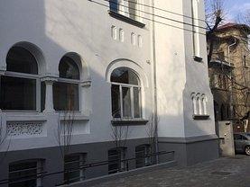 Casa de închiriat 11 camere, în Bucureşti, zona Capitale