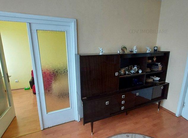 De vânzare apartament cu 4 camere, confort 1, decomandat, situat pe Bd. Dacia - imaginea 1