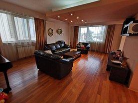 Apartament de vânzare 5 camere, în Bucureşti, zona 1 Mai