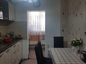 Apartament de vânzare 2 camere, în Râmnicu Vâlcea, zona Traian