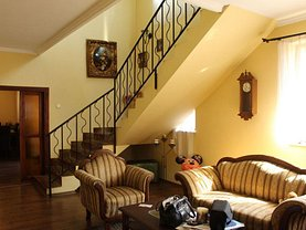 Casa de vânzare 8 camere, în Râmnicu Vâlcea, zona Cartierul Traian