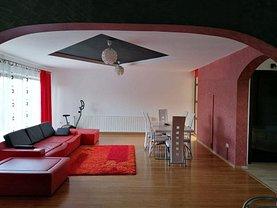 Casa de vânzare 5 camere, în Călimăneşti, zona Nord-Vest