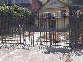 Casa de vânzare 3 camere, în Râmnicu Vâlcea, zona Exterior Est