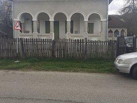 Casa de vânzare 3 camere, în Dăeşti, zona Ultracentral