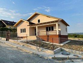 Casa de vânzare sau de închiriat 3 camere, în Căzăneşti (Râmnicu Vâlcea), zona Căzăneşti