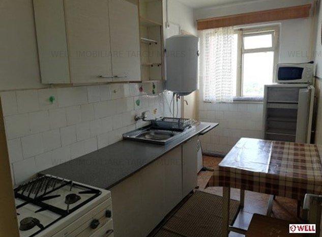 De vânzare apartament decomandat cu 2 camere în Cartierul Dâmbul Pietros - imaginea 1