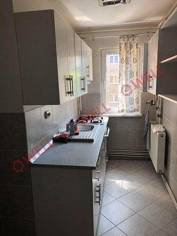 De vânzare un apartament cu 3 camere în Cartierul Dâmbu Pietros - imaginea 1