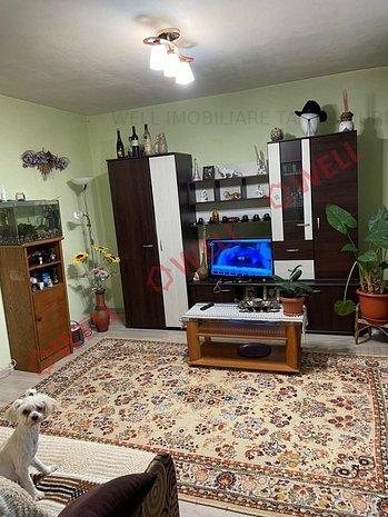 De vânzare un apartament cu 3 camere - imaginea 1