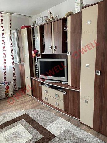 De vânzare un apartament cu 2 camere în 7 Noiembrie - imaginea 1