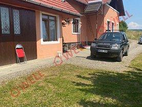 Casa de vânzare sau de închiriat 4 camere, în Corunca