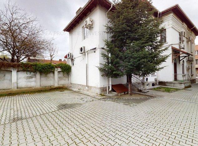 Vila eleganta 400 mp, Ultracentral Dacia Eminescu,cu parcare - imaginea 1