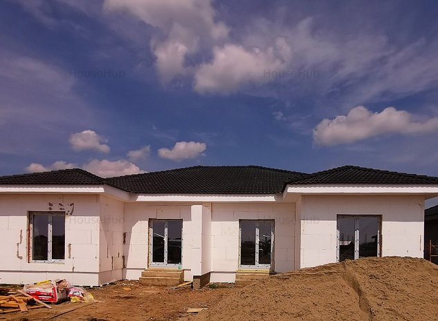 Casa tip duplex de vanzare in Mosnita Noua - imaginea 1