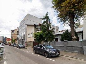 Casa de închiriat 8 camere, în Bucureşti, zona Cişmigiu
