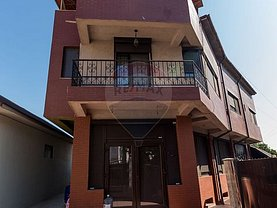 Casa de vânzare 9 camere, în Mangalia, zona Central