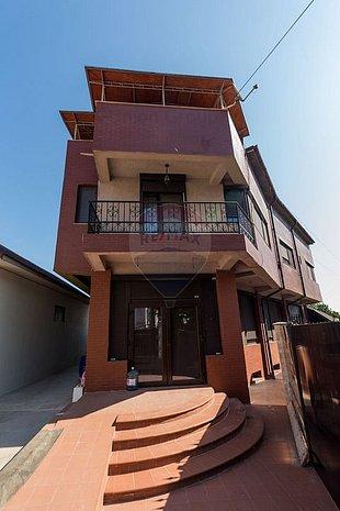 Casa/vila 9 CAMERE vanzare in Constanta, Mangalia, Central - imaginea 1