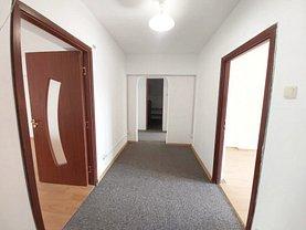 Apartament de închiriat 4 camere, în Bucureşti, zona P-ţa Alba Iulia