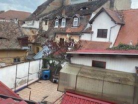 Casa de vânzare 5 camere, în Sibiu, zona Oraşul de Jos
