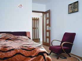 Apartament de vânzare 3 camere, în Bacău, zona Energiei