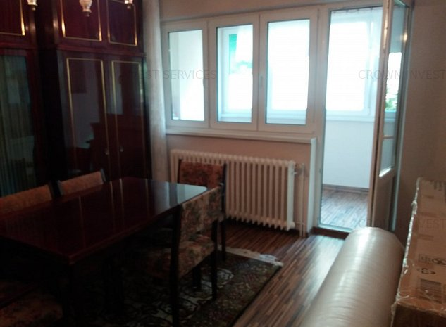 Apartament 3 camere decomandat, pretabil frizerie coafura birouri etc - imaginea 1
