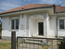 Casa de vânzare 7 camere, în Potcoava