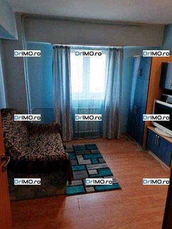Vanzare Apartament 3 Camere, Etaj Intermediar, Mobilat, Balcon, Zona Linistita - imaginea 1