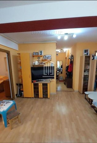 Apartament 3 Camere decomandat 70 mpu | Etaj 1 | Balcon | Tilisca - imaginea 1