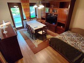 Apartament de vânzare 3 camere, în Arad, zona Polivalentă