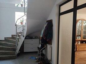 Casa de vânzare 7 camere, în Arad, zona Grădişte
