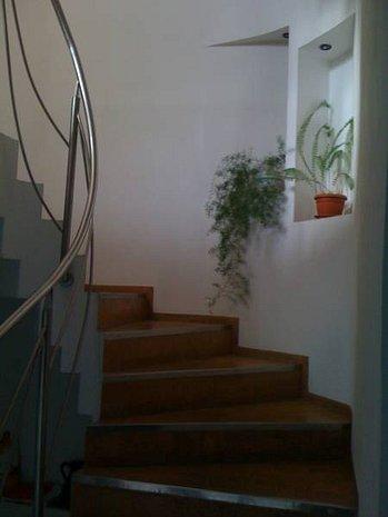 Vânzare casa 6 camere - imaginea 1