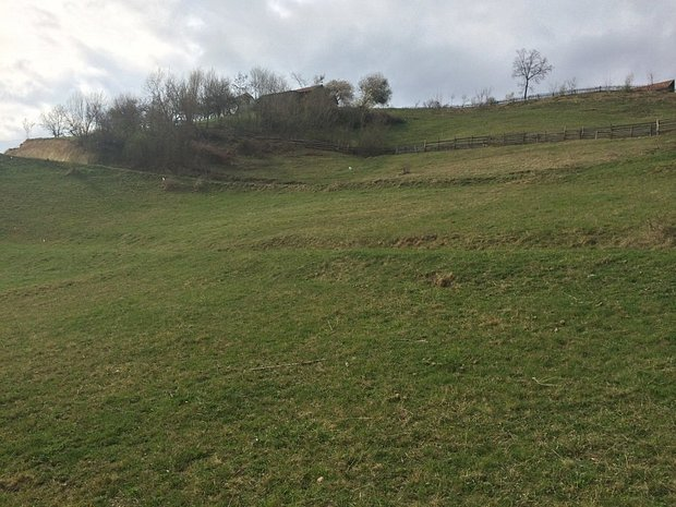 Vand teren 3600mp, pret de 2000mp, Zarnesti(priveliste Bucegi, Piatra Craiului) - imaginea 1