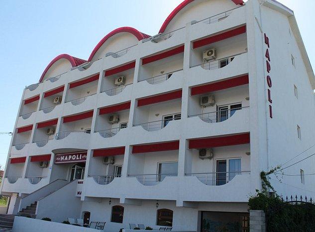 VAND HOTEL IN MAMAIA NORD - imaginea 1