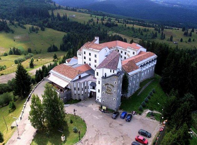 Vanzare Hotel Castel Dracula - imaginea 1