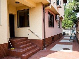 Casa de închiriat 9 camere, în Bucuresti, zona P-ta Dorobanti