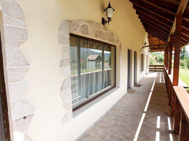 Imobil duplex Piatra Arsa Busteni - imaginea 1