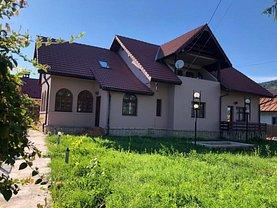 Casa de vânzare 9 camere, în Târgu Ocna, zona Ultracentral