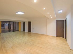 Casa de închiriat 12 camere, în Bucureşti, zona P-ţa Victoriei