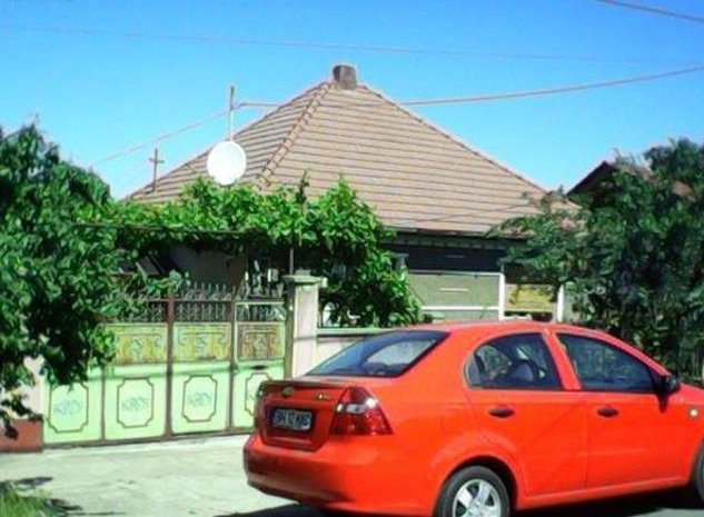 Proprietar-vand urgent casa cu curte ,gradina , imediat ocupabila si locuibila - imaginea 1